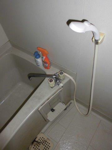 スタイリッシュでグレードの高い浴室に|神奈川県川崎市多摩区のKアパートにて浴室改修リフォーム施工前