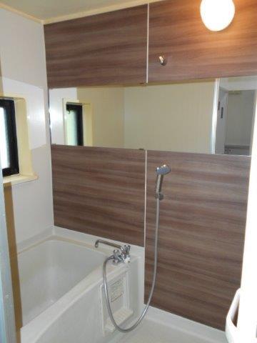 スタイリッシュでグレードの高い浴室に|神奈川県川崎市多摩区のKアパートにて浴室改修リフォーム施工後