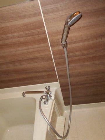 スタイリッシュでグレードの高い浴室に|神奈川県川崎市多摩区のKアパートにて浴室改修リフォーム施工写真1