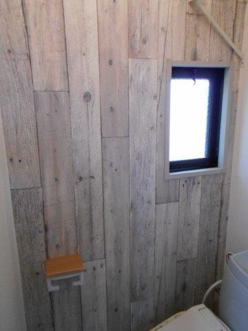 内装でガラッと雰囲気が変わった癒しのトイレ|神奈川県川崎市多摩区のKアパートにてトイレリフォーム施工写真1