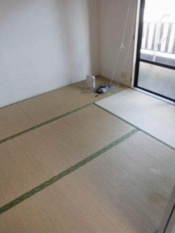 過ごしやく明るい雰囲気の内装に大変身|神奈川県相模原市緑区のCマンションにて洋室リフォーム施工前