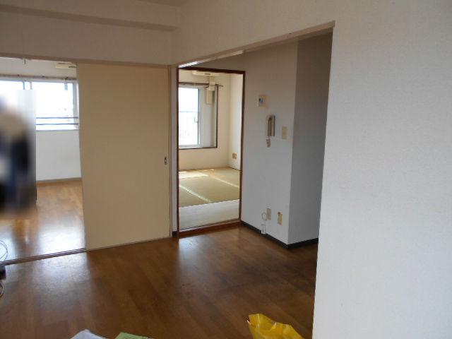 明るめのクッションフロアでパッと明るくなったお部屋|神奈川県相模原市南区のマンションに内装リフォーム施工前