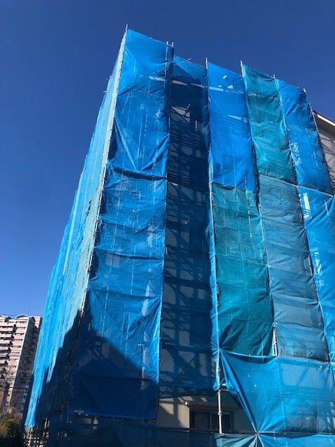 屋根の改修工事 東京都多摩市の某マンションにて外装リフォーム施工前
