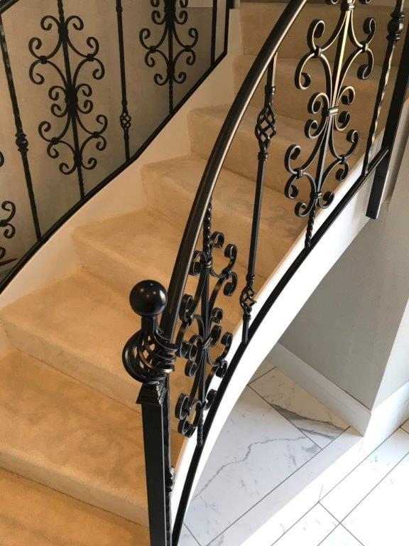 オシャレな階段へリフォーム 横浜市中区石川町のS様邸にて内装工事施工写真4