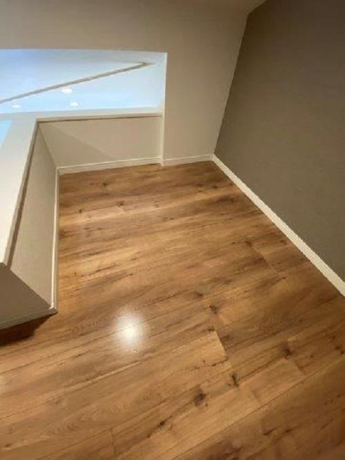 木目柄のオシャレなクッションフロアを使った張り替え|相模原市南区の賃貸アパートにて水廻りリフォーム施工写真4